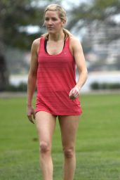 Ellie Goulding - Working Out in Perth (Australia) - May 2014