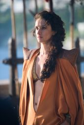 Emilia Clarke, Sophie Turner & Indira Varma - Game of Thrones TV Series Season 4 Ep08
