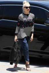 Gwen Stefani Street STyle - Out in Los Angeles - May 2014