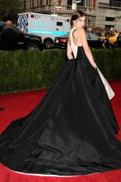 Hailee Steinfeld Wearing Prabal Gurung Ball Gown – 2014 Met Costume Institute Gala