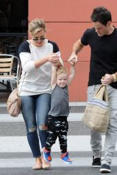 Hilary Duff Out For Breakfast in Beverly HIlls - May 2014