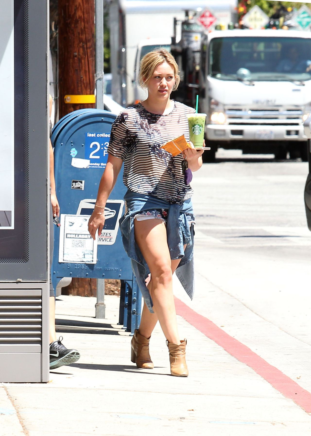 Hilary Duff Stops for Coffee at Starbucks in West Hollywood - May 2014