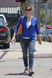 Jennifer Garner Casual Style - Out in Los Angeles - May 2014