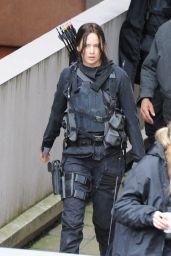 Jennifer Lawrence on the Set of