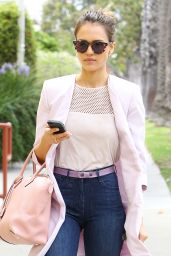 Jessica Alba Casual Style - Goes to a Wellness Center - May 2014