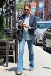 Jessica Alba in Jeans - Out in Beverly Hills - May 2014