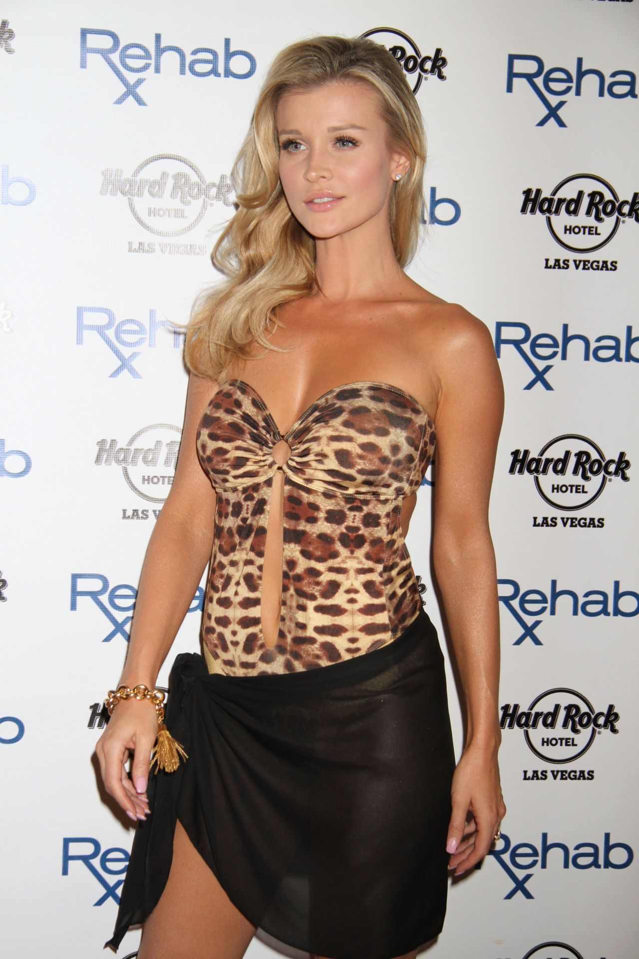 Joanna Krupa Amp Marta Krupa Host Rehab Bikini