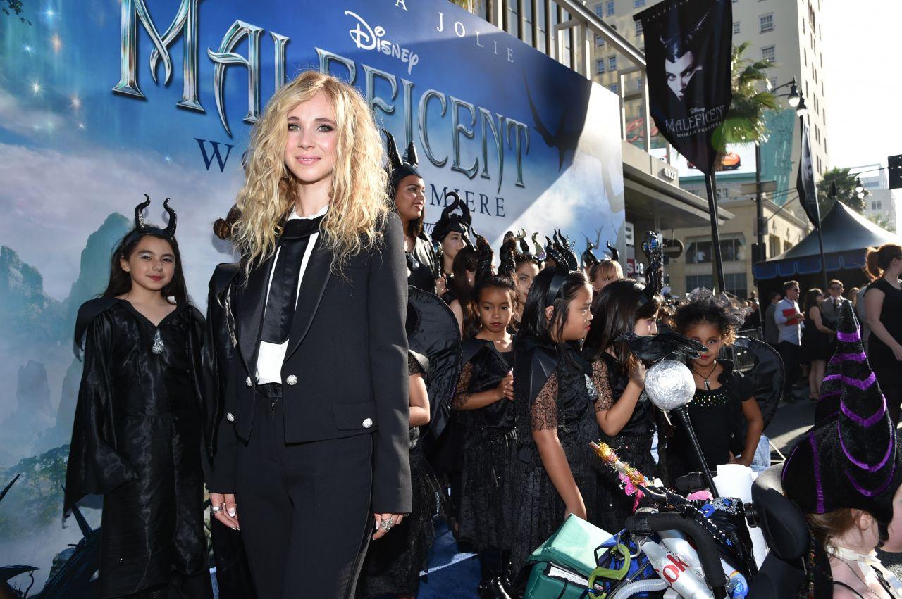 Juno temple maleficent premiere