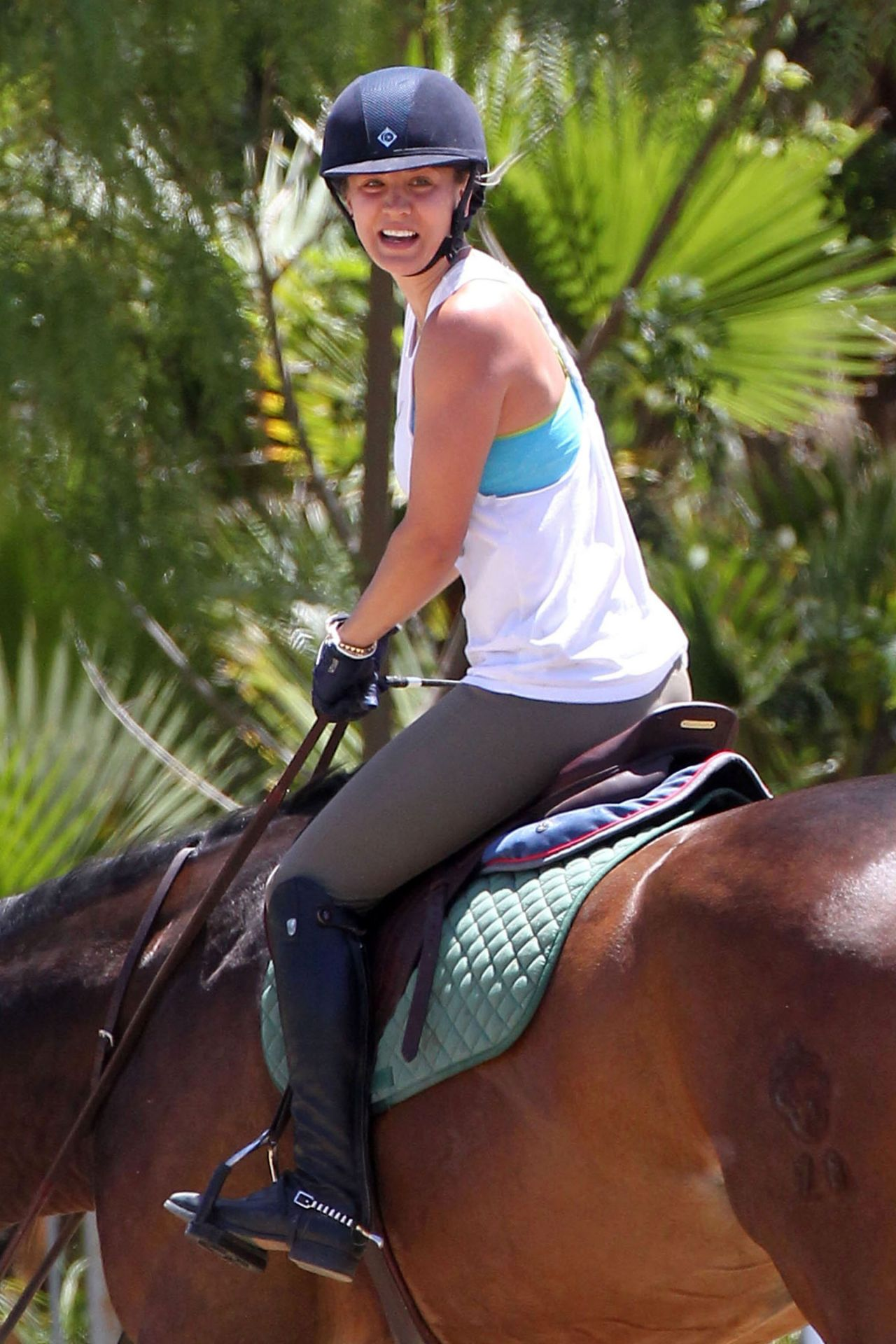 Kaley Cuoco Riding Her Horse Los Angeles May 2014