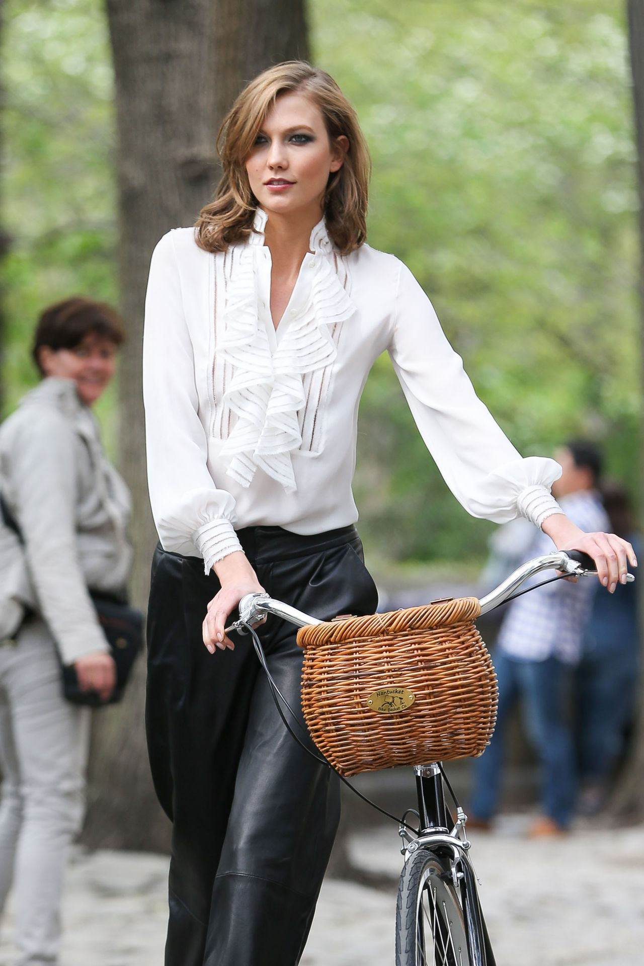 Karlie Kloss - Fashion Photoshoot in New York City - May 2014