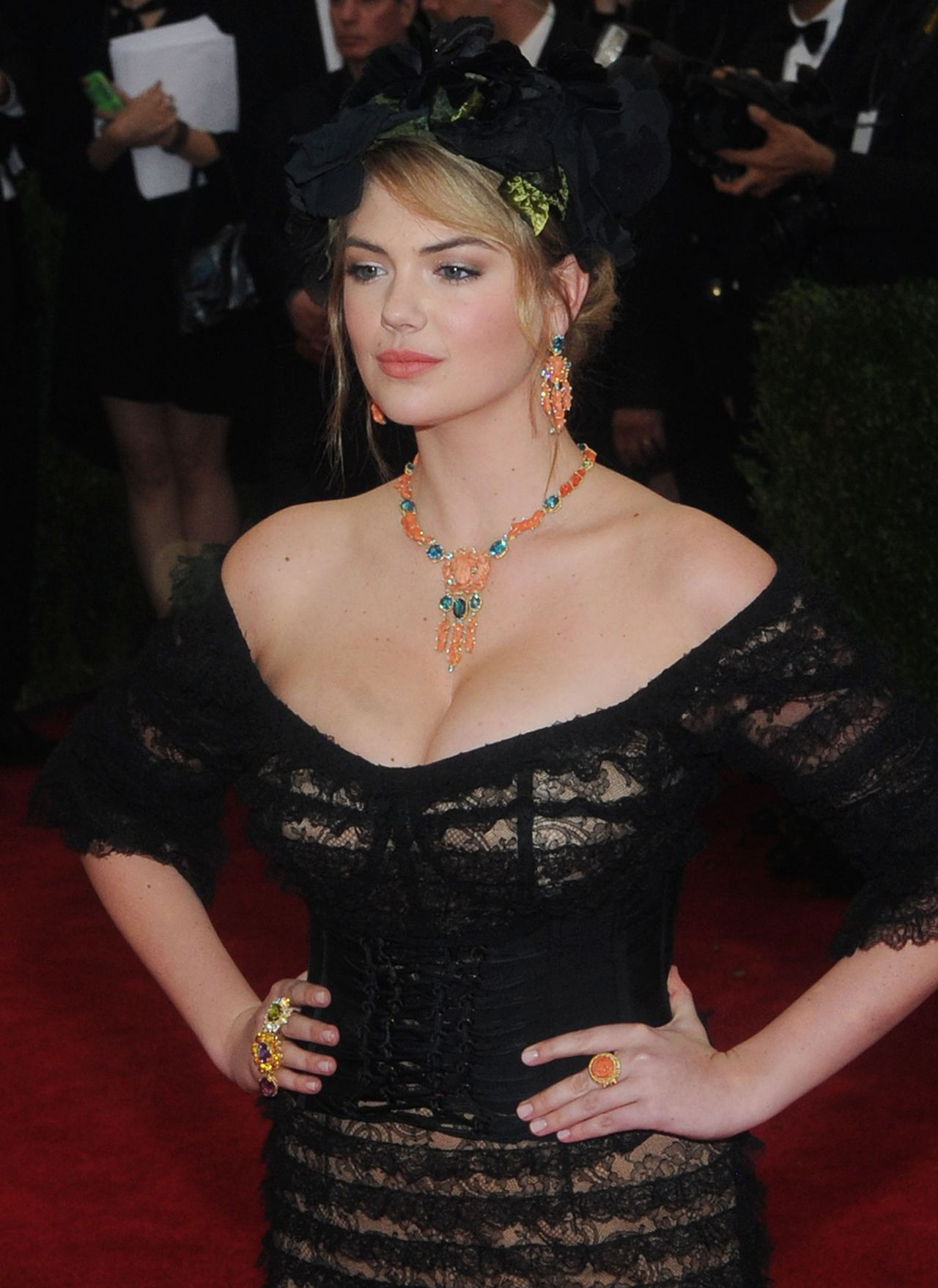 Kate Upton Wearing Dolce Gabbana Gown 2014 Met Costume Institute