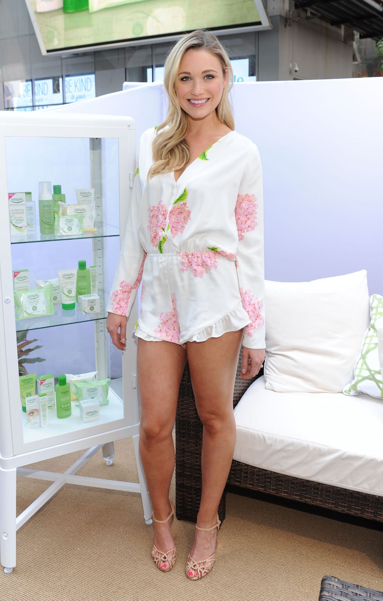 Katrina Bowden Shows Off Her Legs - Kind to City Skin ...