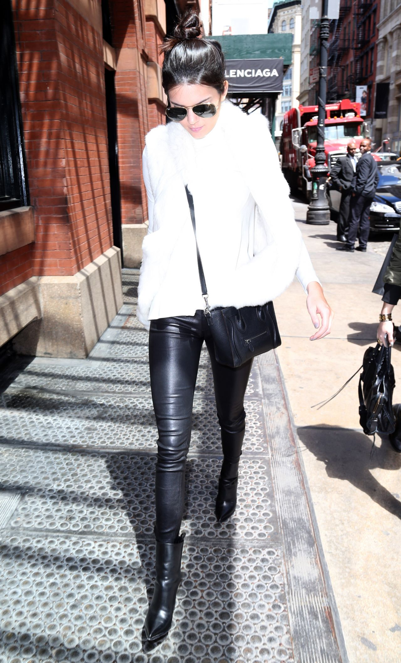 Kendall Jenner Casual Style Out In New York City May 2014