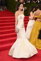 Kendall Jenner Wearing Topshop Mermaid-Style Gown – 2014 Met Costume Institute Gala