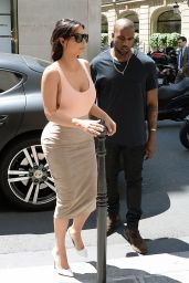 Kim Kardashian - Shopping in Paris - May 2014