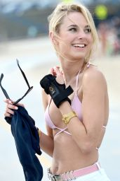 Kimberley Garner - Bikini-Top and Shorts Rollerblading at Santa Monica Beach - April 2014
