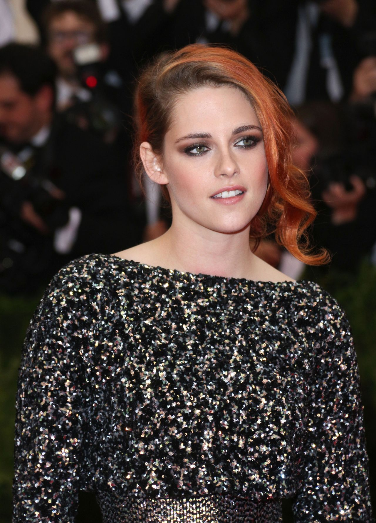 Kristen Stewart in Chanel 2014 Couture Dress – 2014 Met Costume Institute Gala