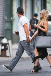 LeAnn Rimes Street Style - Out in New York City - May 2014