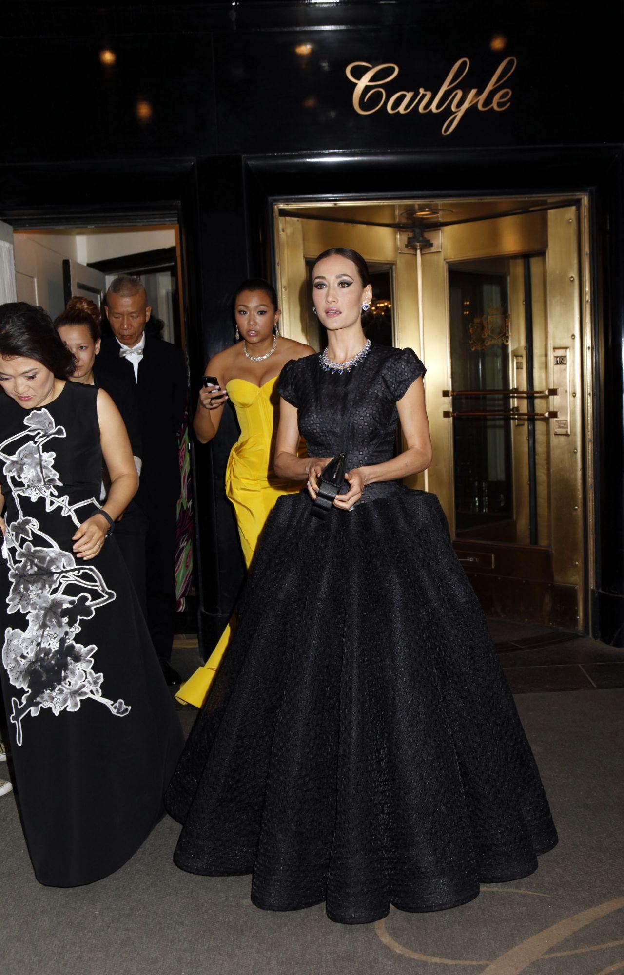 maggie q wearing zac posen black ball gown u2013 2014 met costume institute gala
