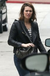 Mandy Moore at a Yard sale in Los Angeles - May 2014