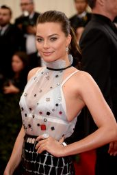 Margot Robbie Wearing Prada – 2014 Met Costume Institute Gala