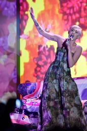 Miley Cyrus Performs During the World Music Awards 2014