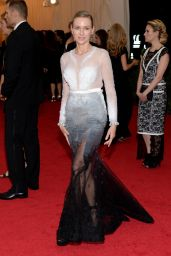 Naomi Watts In Givenchy Couture - 'Charles James: Beyond Fashion' Costume Institute Gala 2014