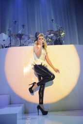 Paloma Faith Performs in Latex Camden Roundhouse - May 2014
