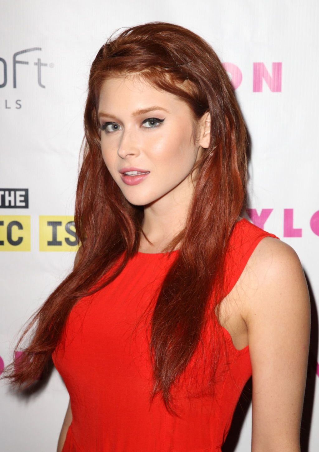 97475427e3ab Renee Olstead - Nylon Magazine Music Issue party in Los .