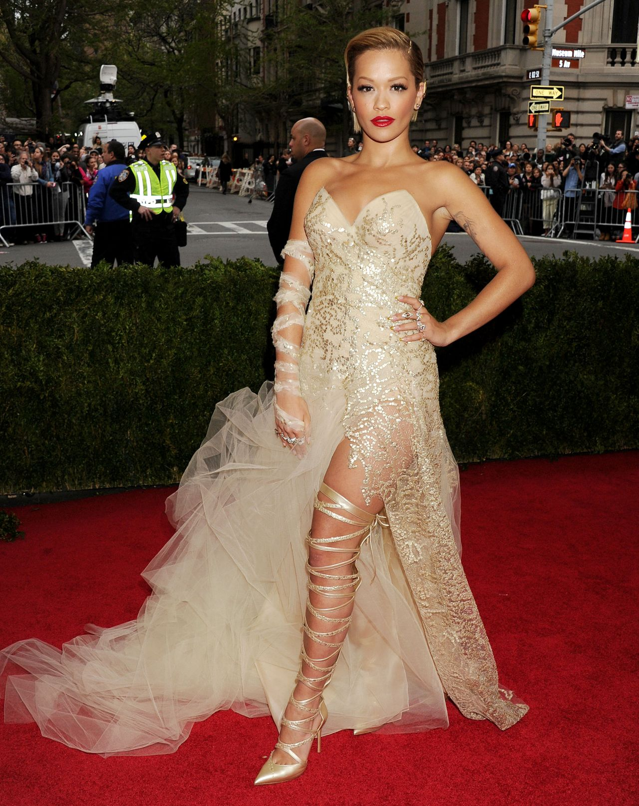 Rita ora wearing donna karan atelier gown 2014 met for Donna karan wedding dresses