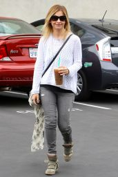 Sarah Michelle Gellar - Out in LA - May 2014