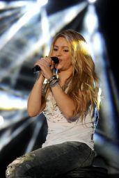 Shakira - 102.7 KIIS FM
