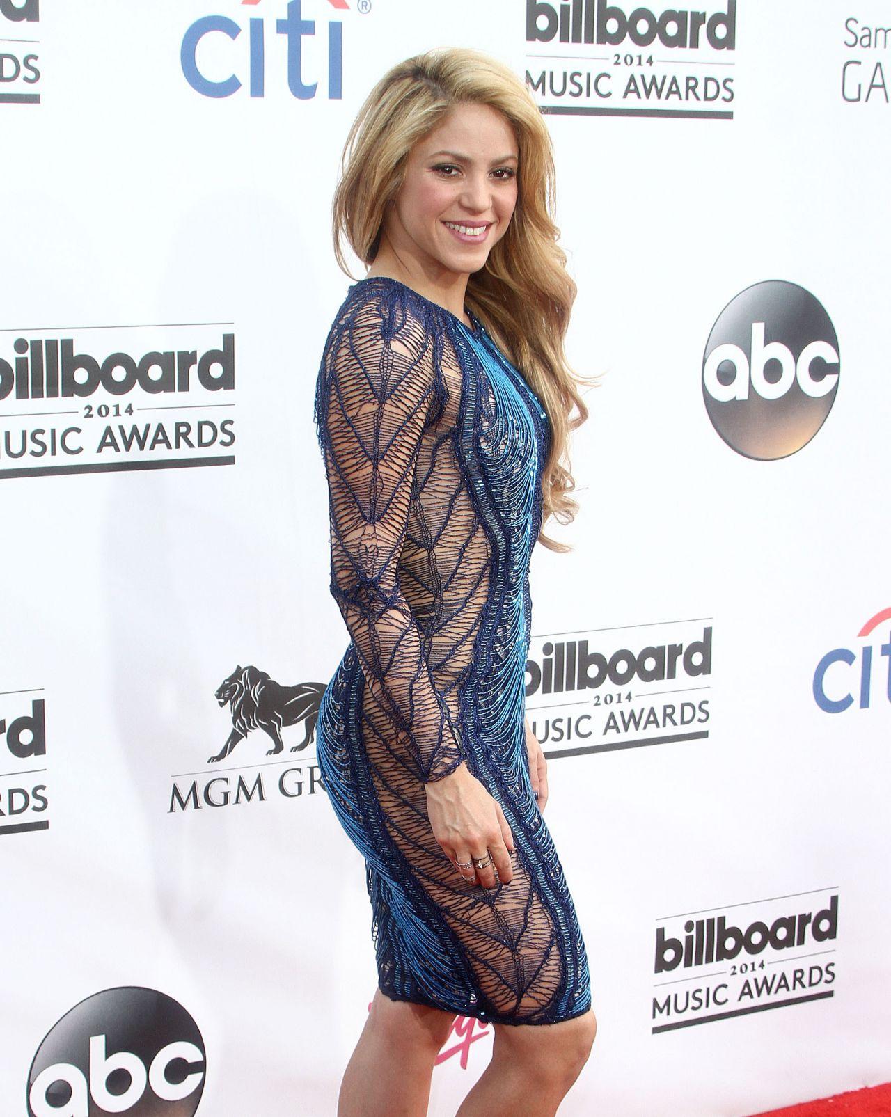Billboard Music Awards 2016 The Best Hair And Makeup: Shakira Wearing Julien Macdonald Dress