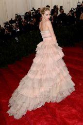 Suki Waterhouse Wearing Burberry Gown – 2014 Met Costume Institute Gala