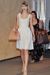 Taylor Swift at Narita International Airport in Japan - May 2014