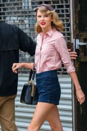 Taylor Swift ; Out and about, New York, May 2014 ; Suno ... |Taylor Swift May 2014