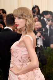 Taylor Swift in Oscar de la Renta Satin Gown – 2014 Met Costume Institute Gala
