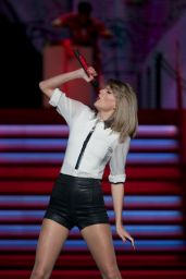 Taylor Swift Performing in Shanghai - May 2014