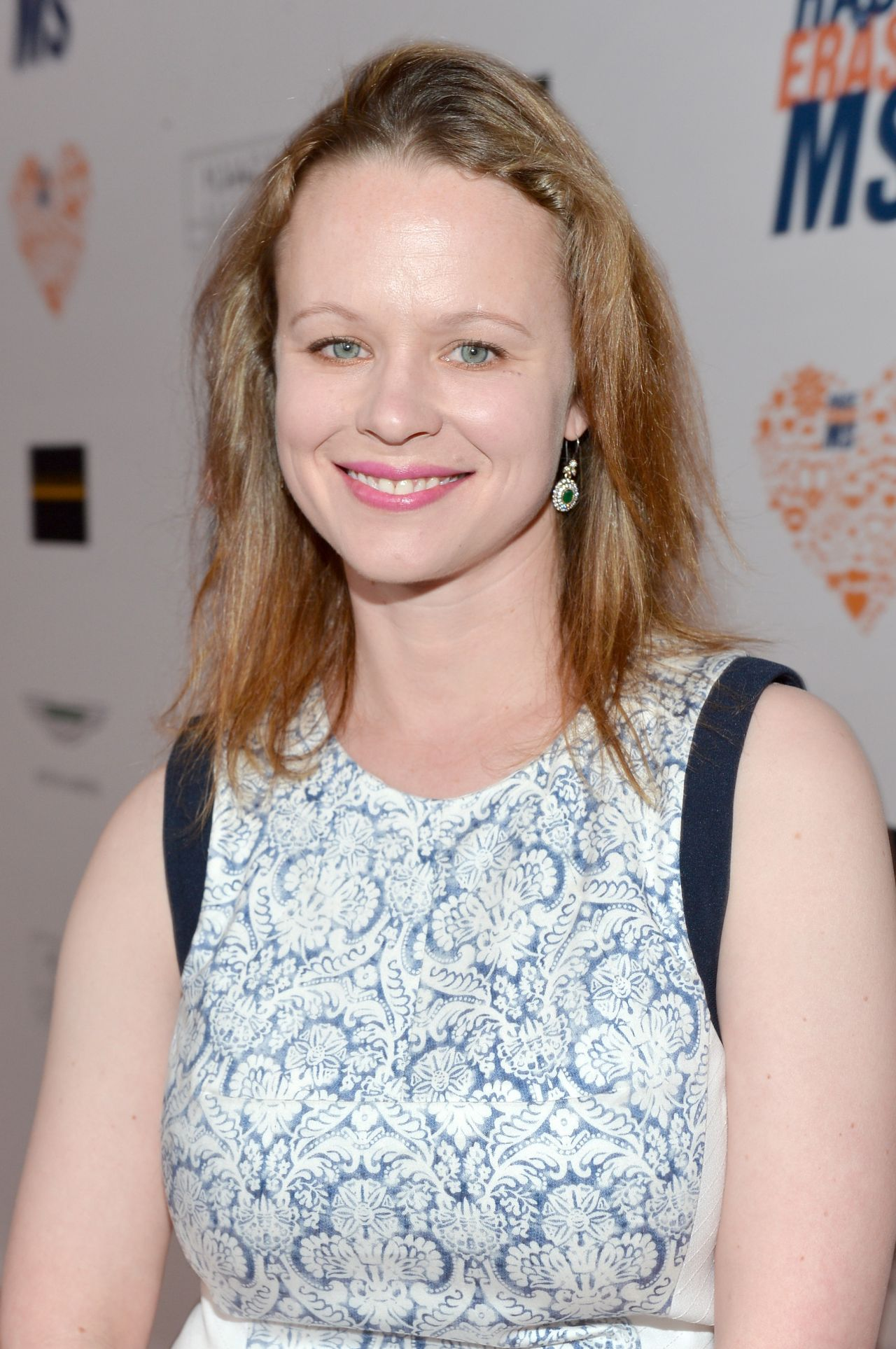 The 35-year old daughter of father Jack Birch and mother Carol Connors, 165 cm tall Thora Birch in 2017 photo