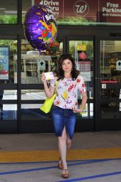 Tiffani Thiessen - Out Shopping in LA – May 2014