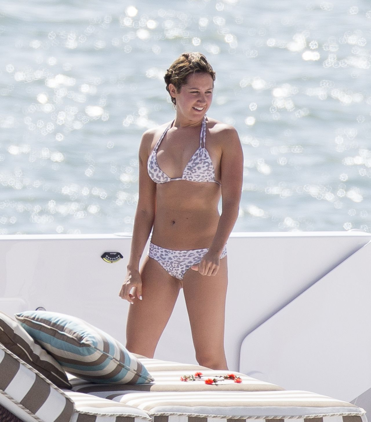 Photos : Ashley Tisdale : en bikini pour clbrer son