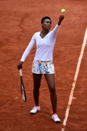 Venus Williams – 2014 French Open at Roland Garros – Round Two