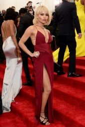 Zoe Kravitz Wearing Topshop Silk Dress – 2014 Met Costume Institute Gala