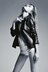 Camille-Rowe-06