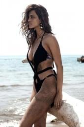 Catrinel-Menghia-bikini-3
