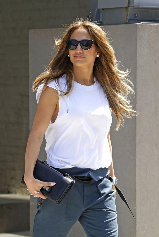 Jennifer Lopez Casual Style - Leaving Her Apartment in New York City - June 2014