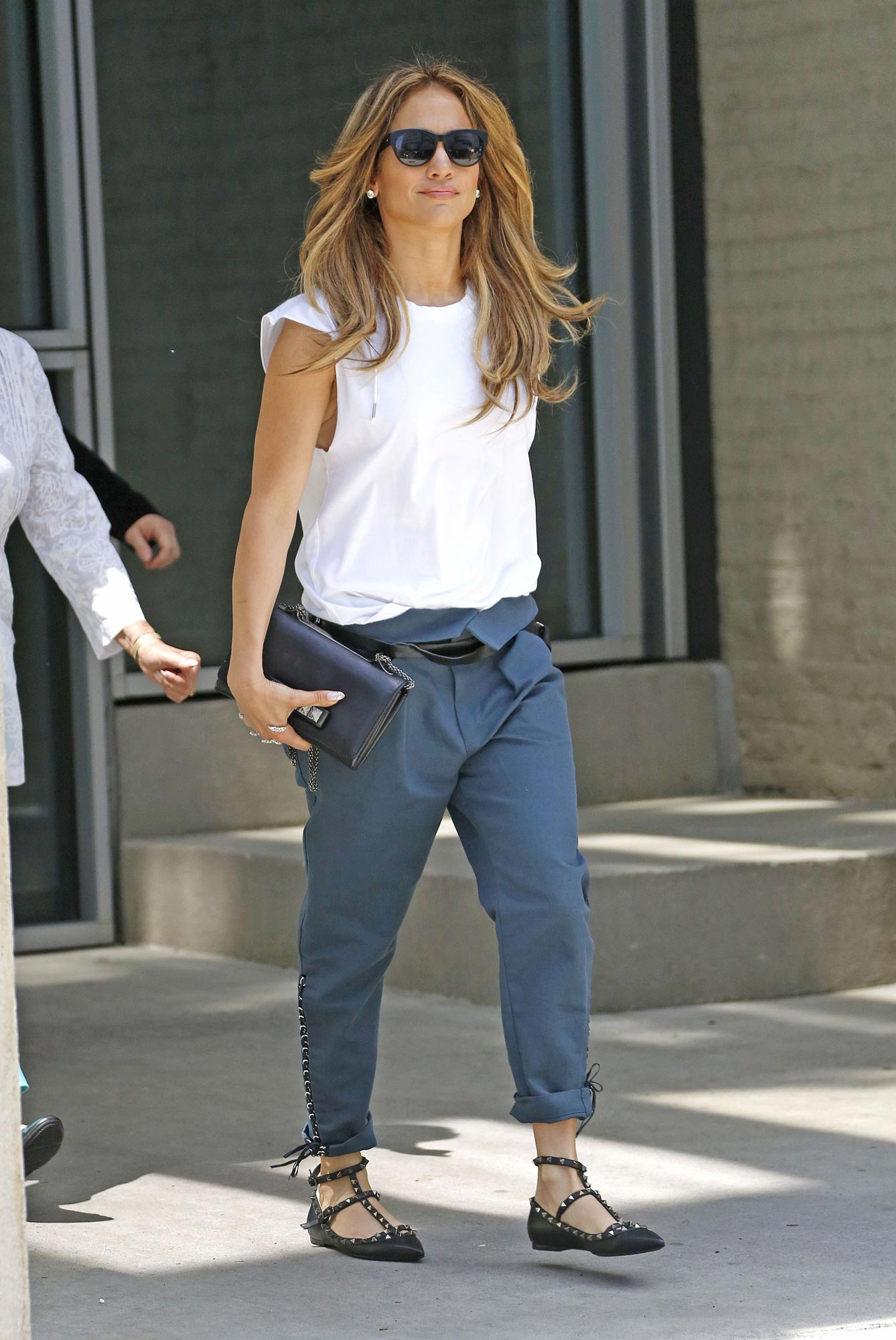 Jennifer Lopez Casual Style Leaving Her Apartment In New
