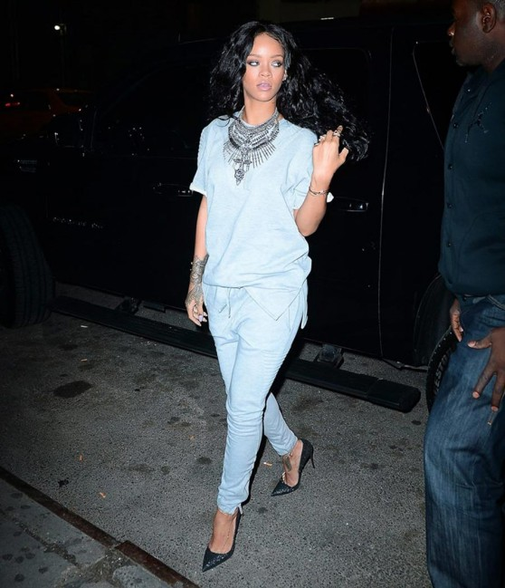 Rihanna in New York City – Back To Previous Hairstyle
