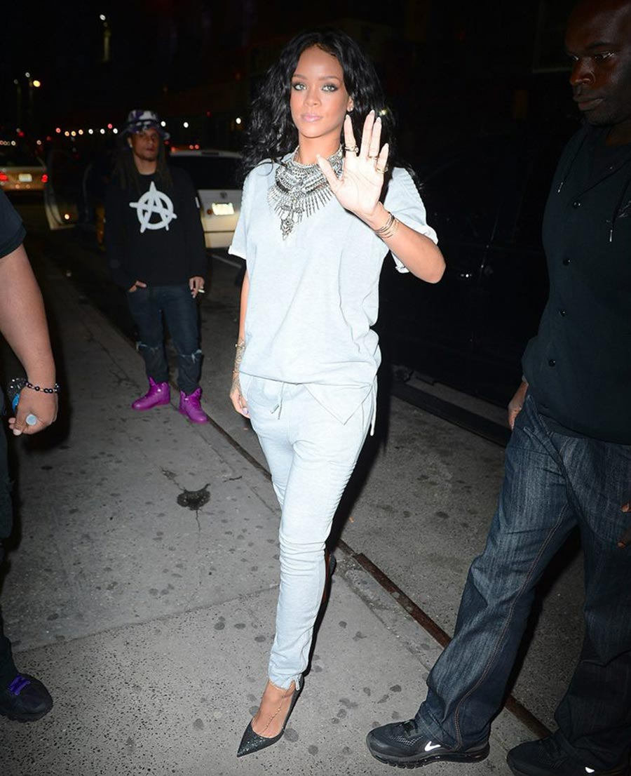 Rihanna News And Photos: Back To Previous Hairstyle