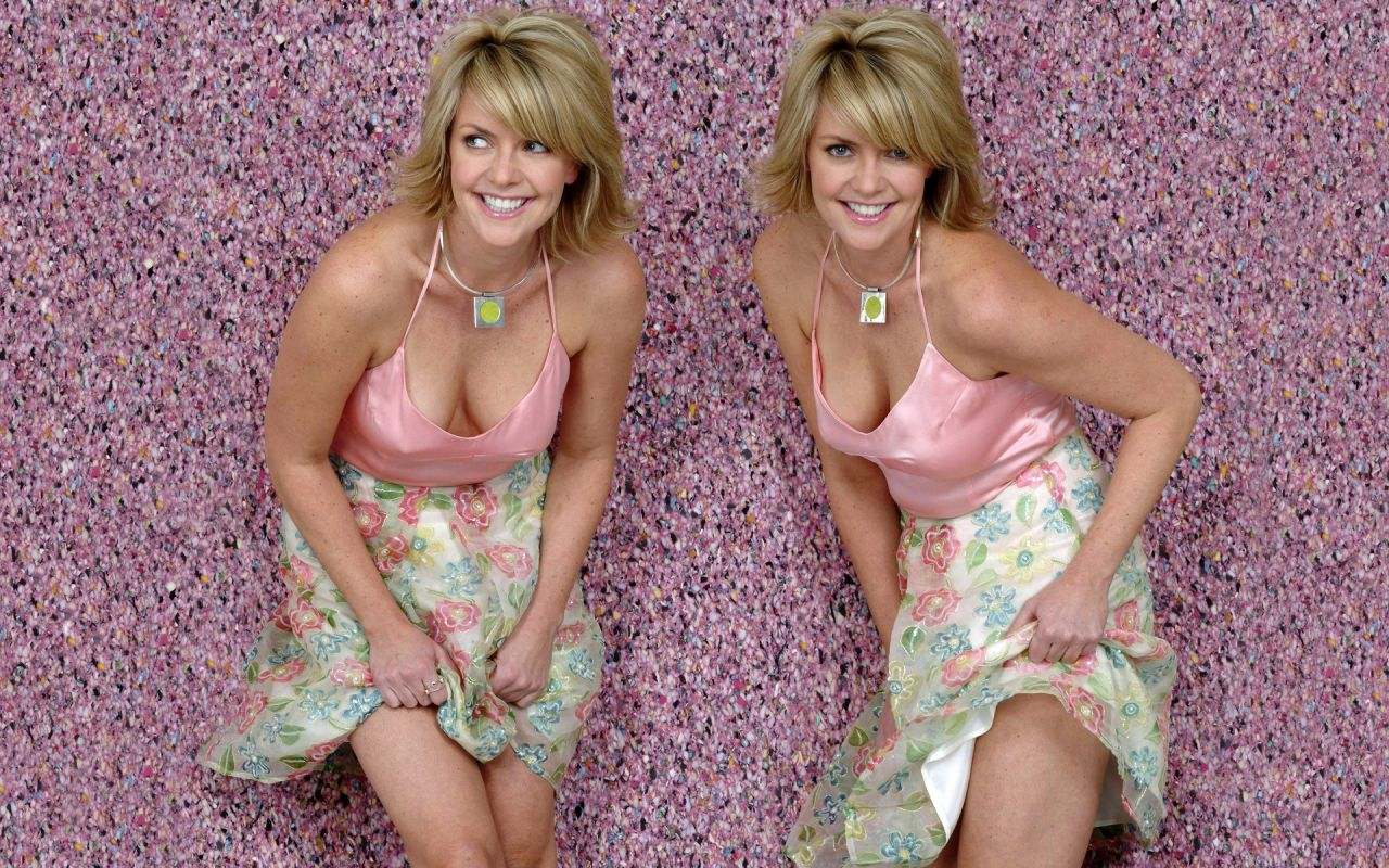 Amanda Tapping Wallpapers (+9)